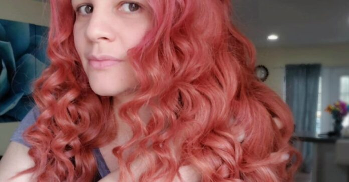 Girl-after-Keracolor-Clenditioner-Hair-Dye-Red
